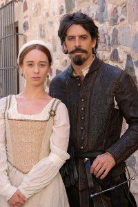 Elena Rivera y Eduardo Noriega como Inés Suárez y Pedro de Valdivia durante el rodaje en Cáceres.